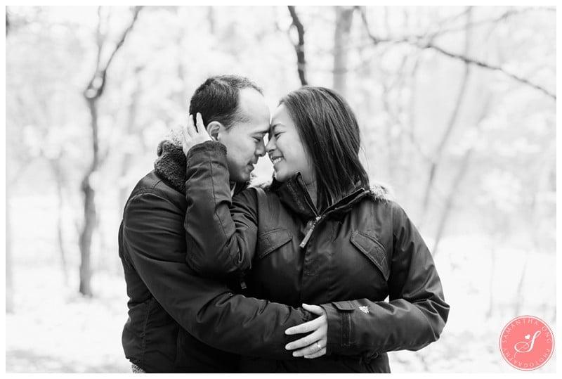 sunnybrook-park-toronto-winter-engagement-photos-8