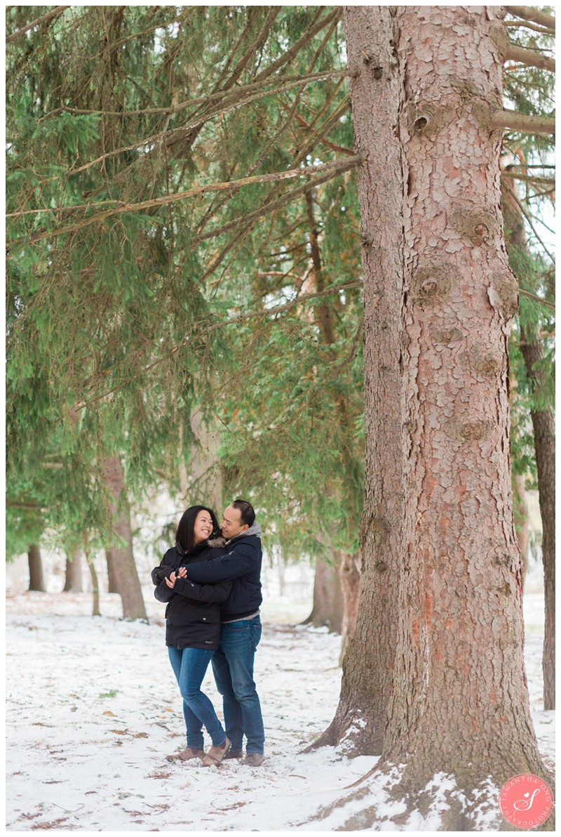 sunnybrook-park-toronto-winter-engagement-photos-9