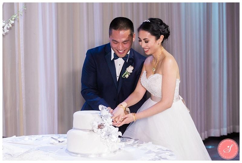 toronto-design-exchange-winter-wedding-photos-16