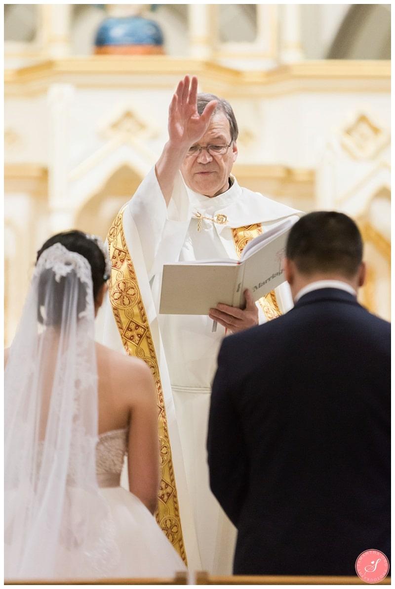 toronto-st-marys-church-wedding-photos-11
