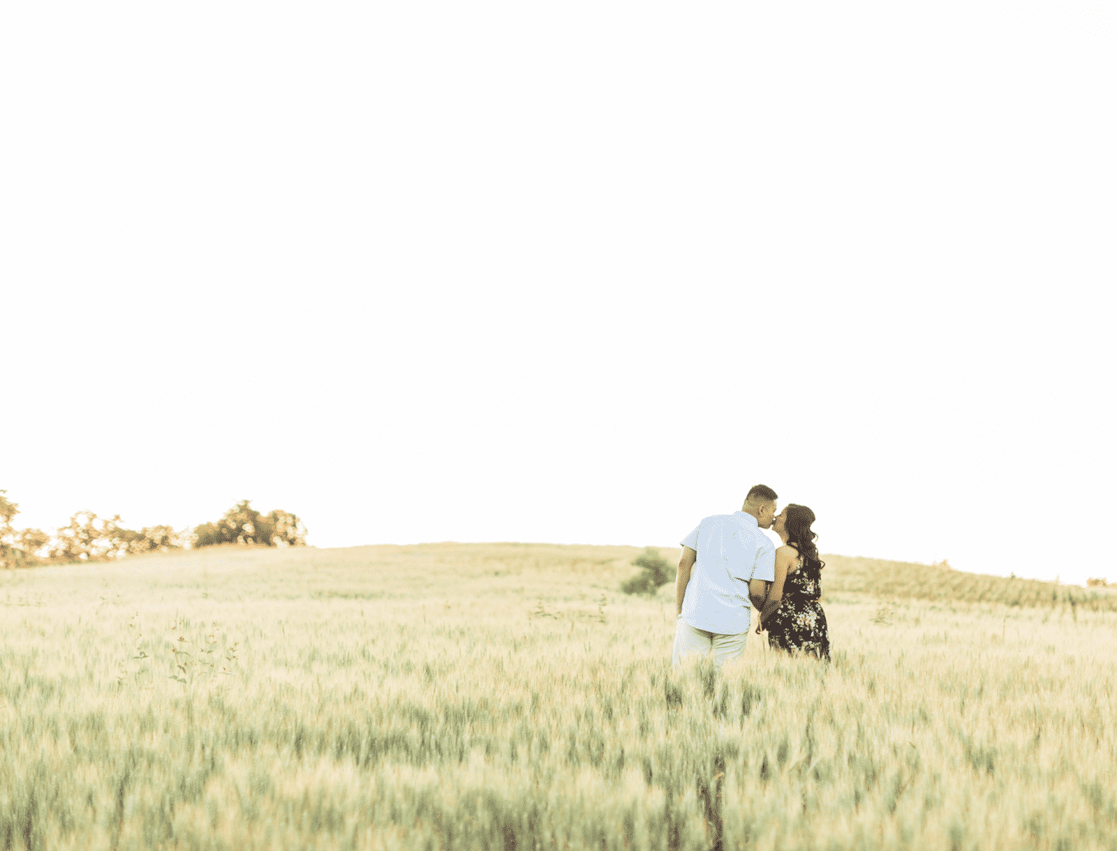 A Sweet Engagement Session in the Fields: Kristine + Andre