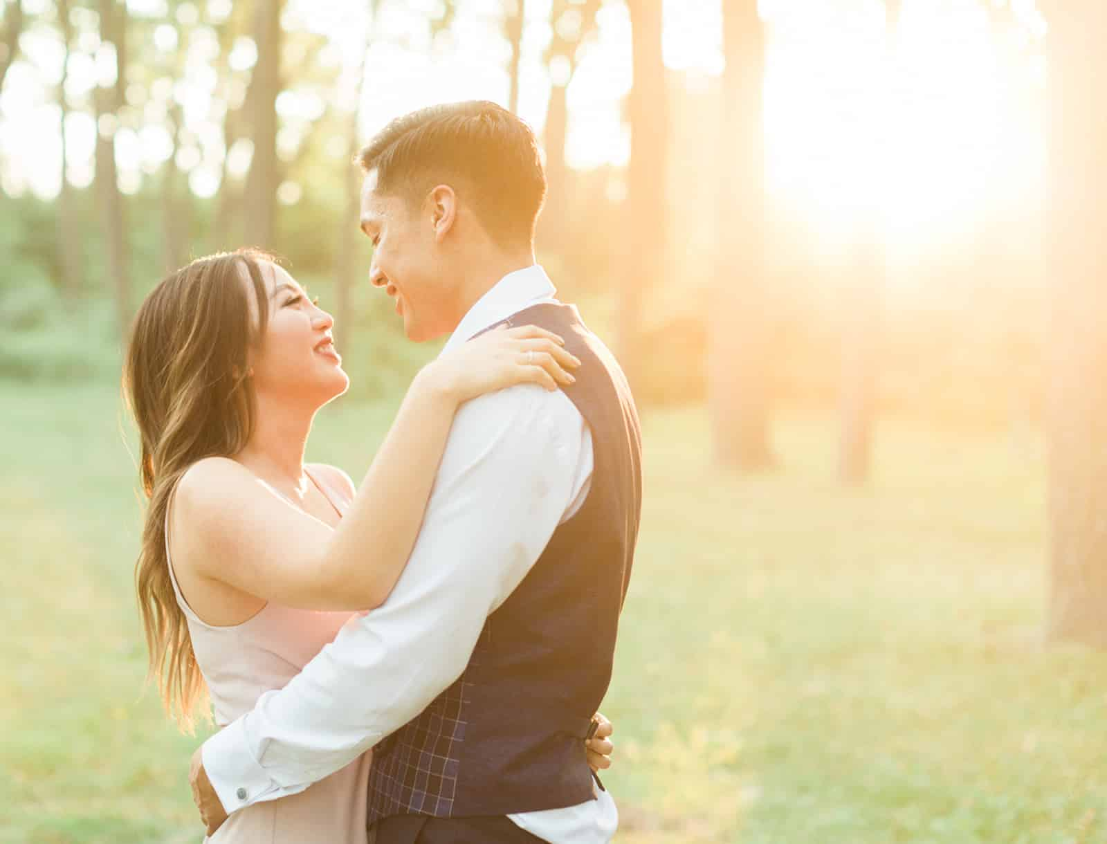 Romantic Summer Engagement in Toronto: Vivian + Cameron